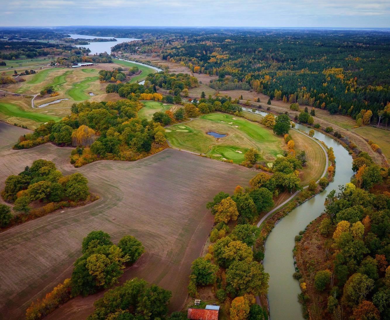I vinter töms nästan 8 av Göta kanals 9 handgrävda mil
